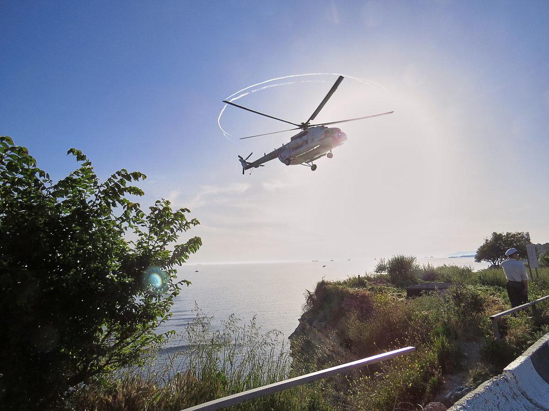 Вертолёт шумит - Валерий Дворников