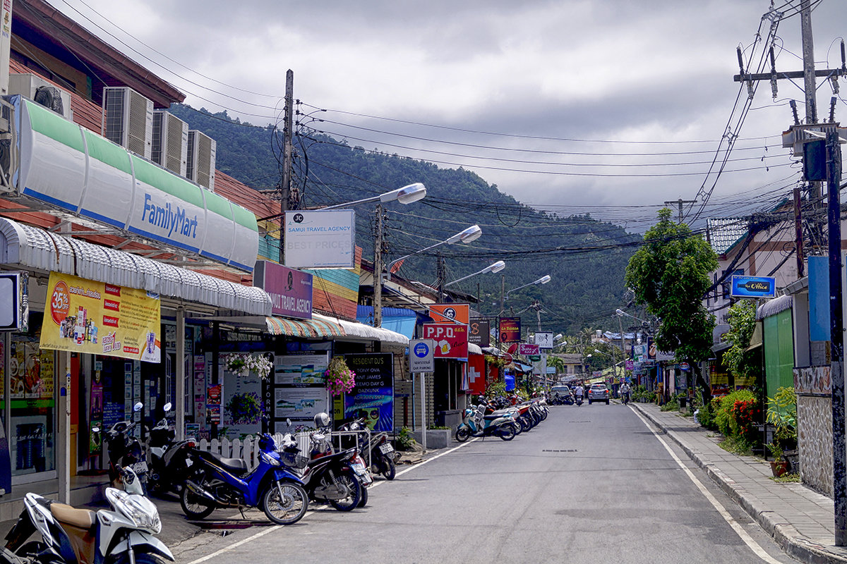 Типичная тайская улочка. Самуи. Ламай. - Alex