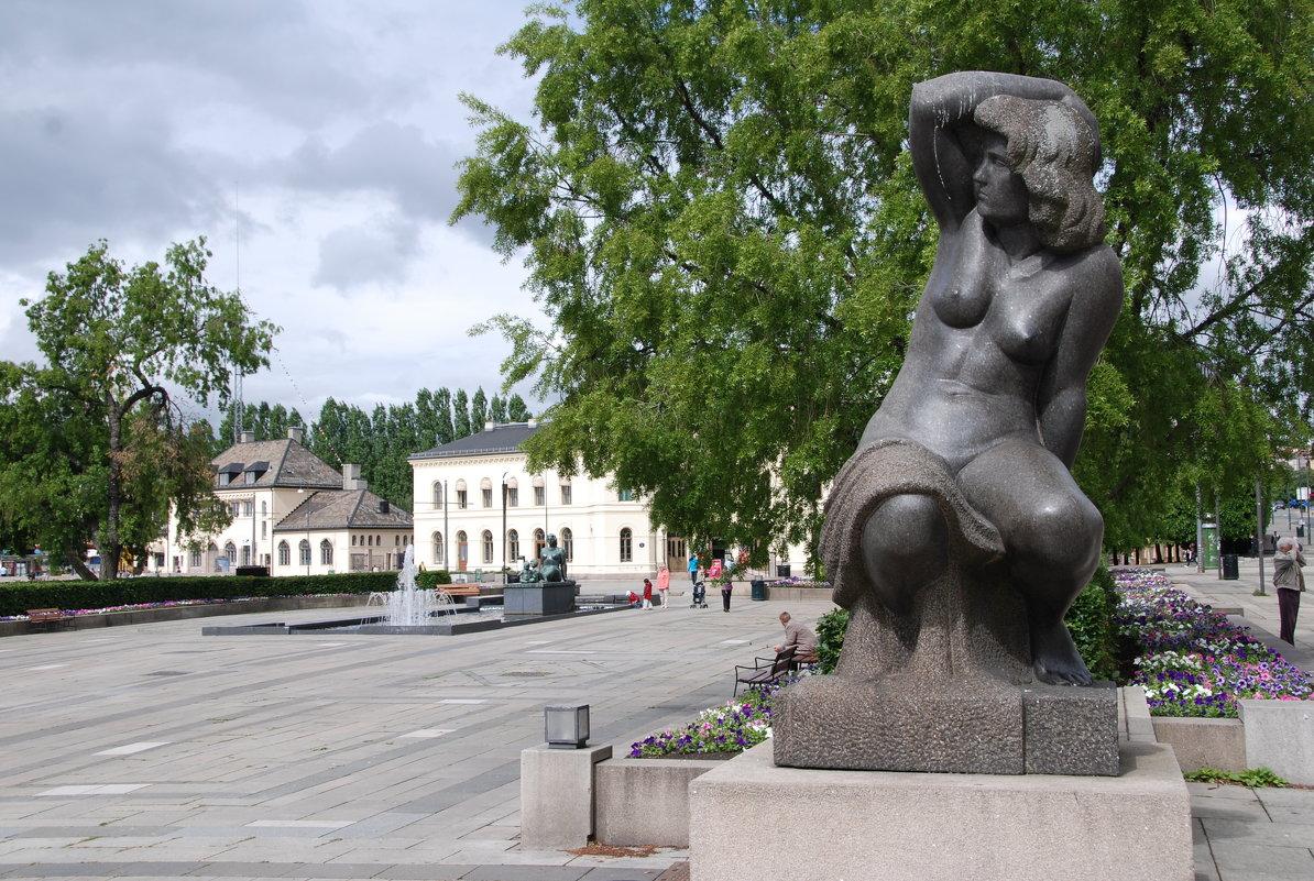Купальщица - Николай Танаев