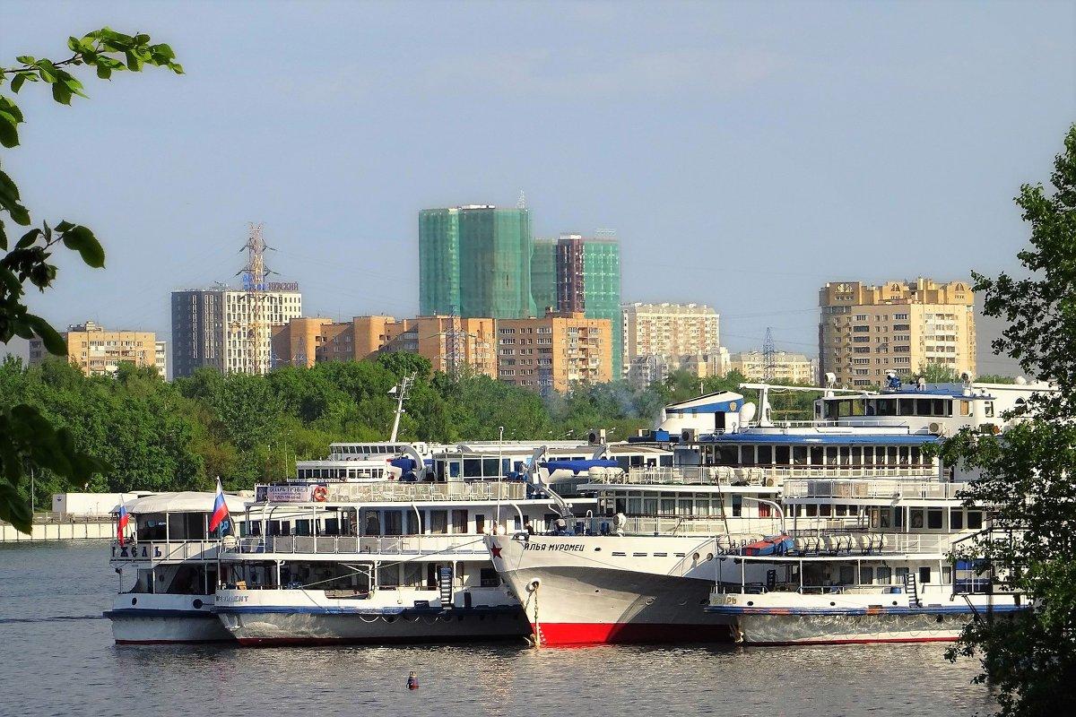 Северный речной вокзал. Стоянка судов - Ирина Via