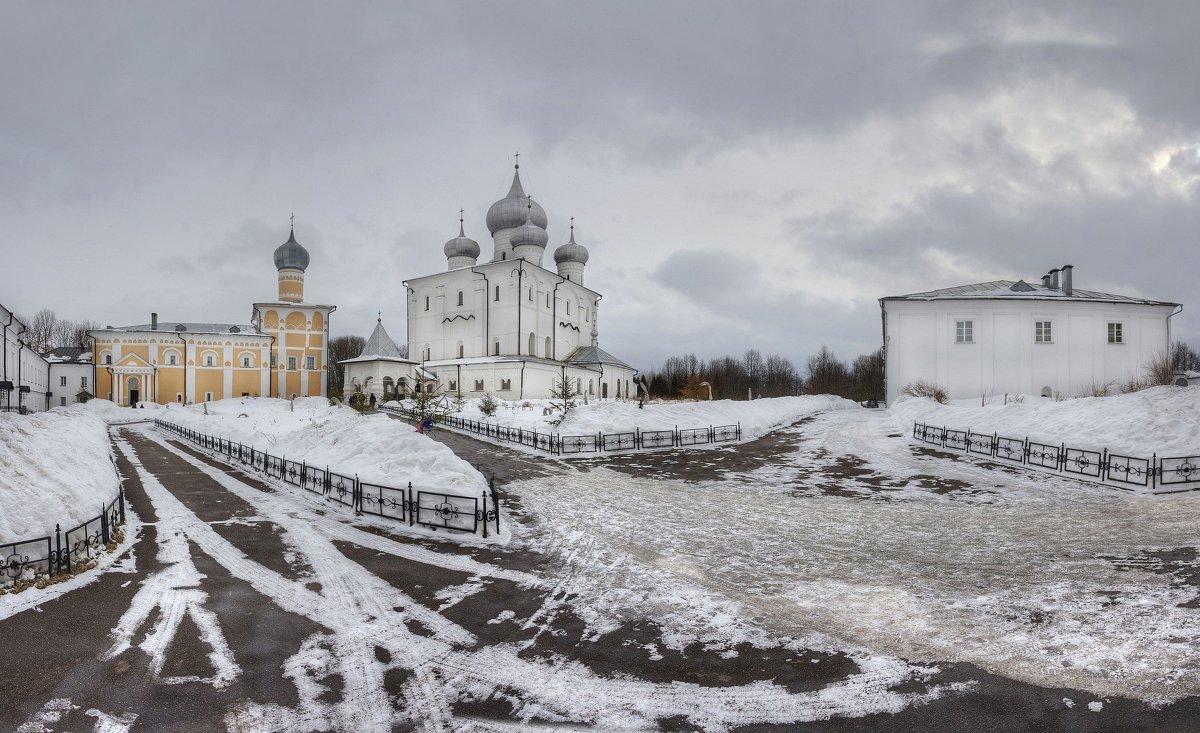 Преображенский Варлаамо-Хутынский монастырь - Константин