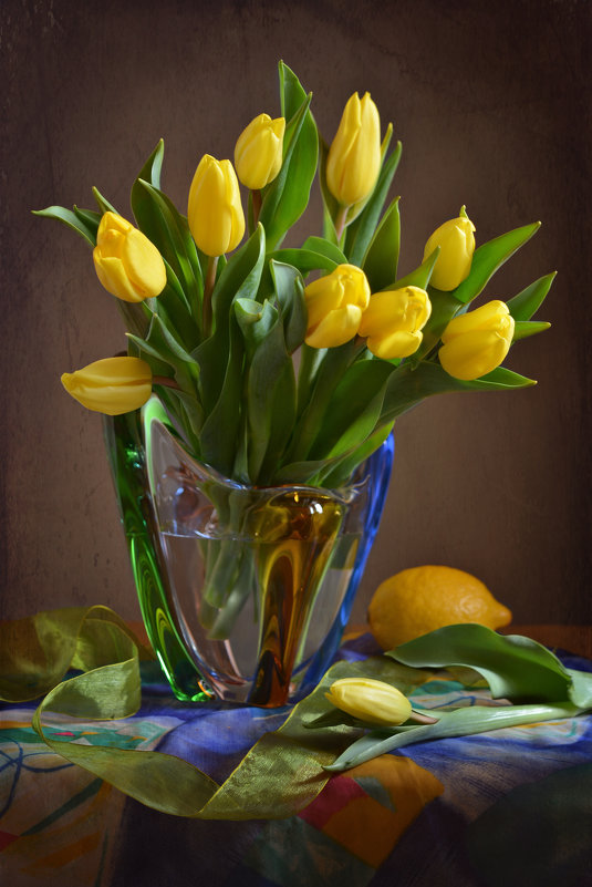 Желтые тюльпаны - Larisa Simonenkova