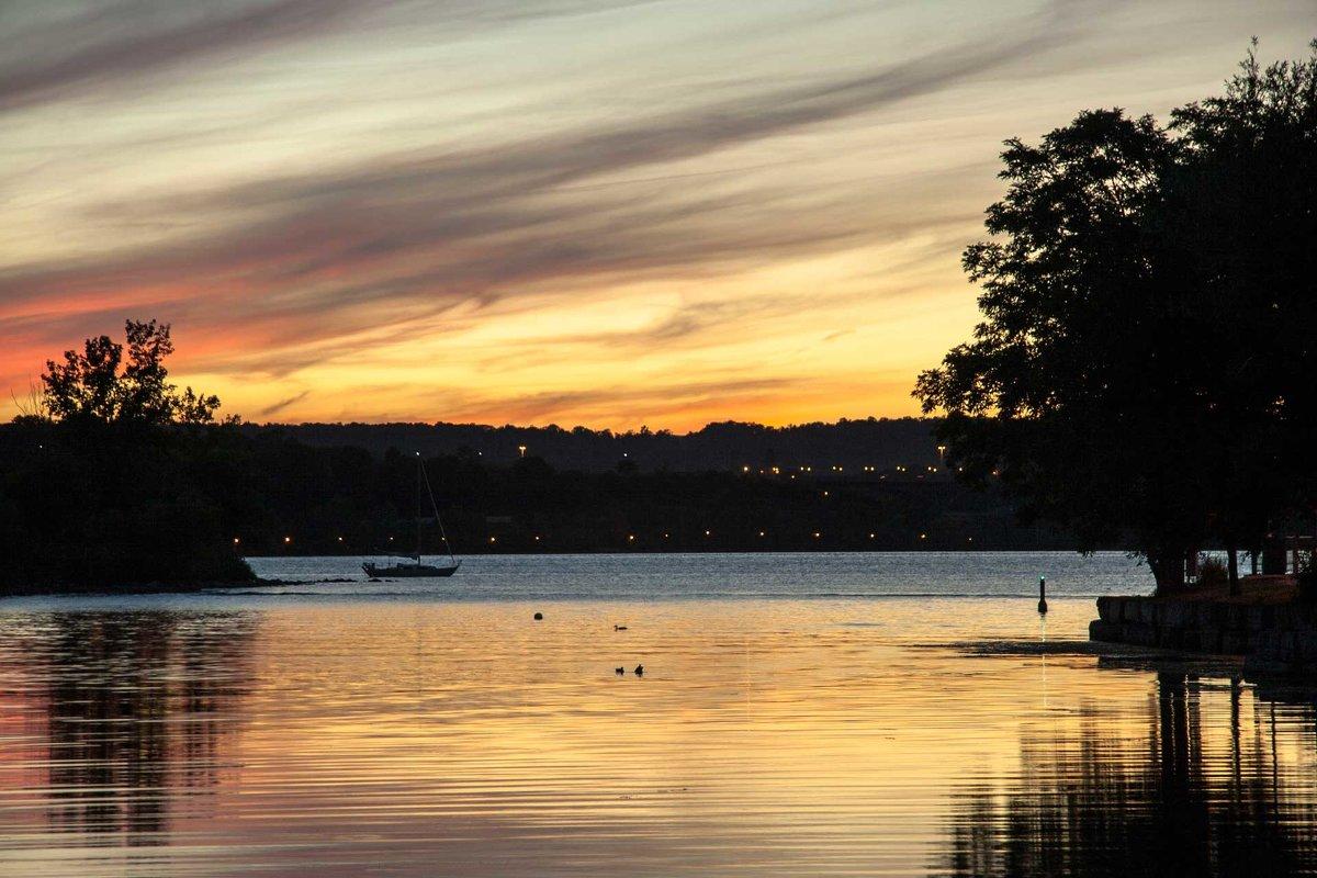 Вечером на озере - Valery Remezau