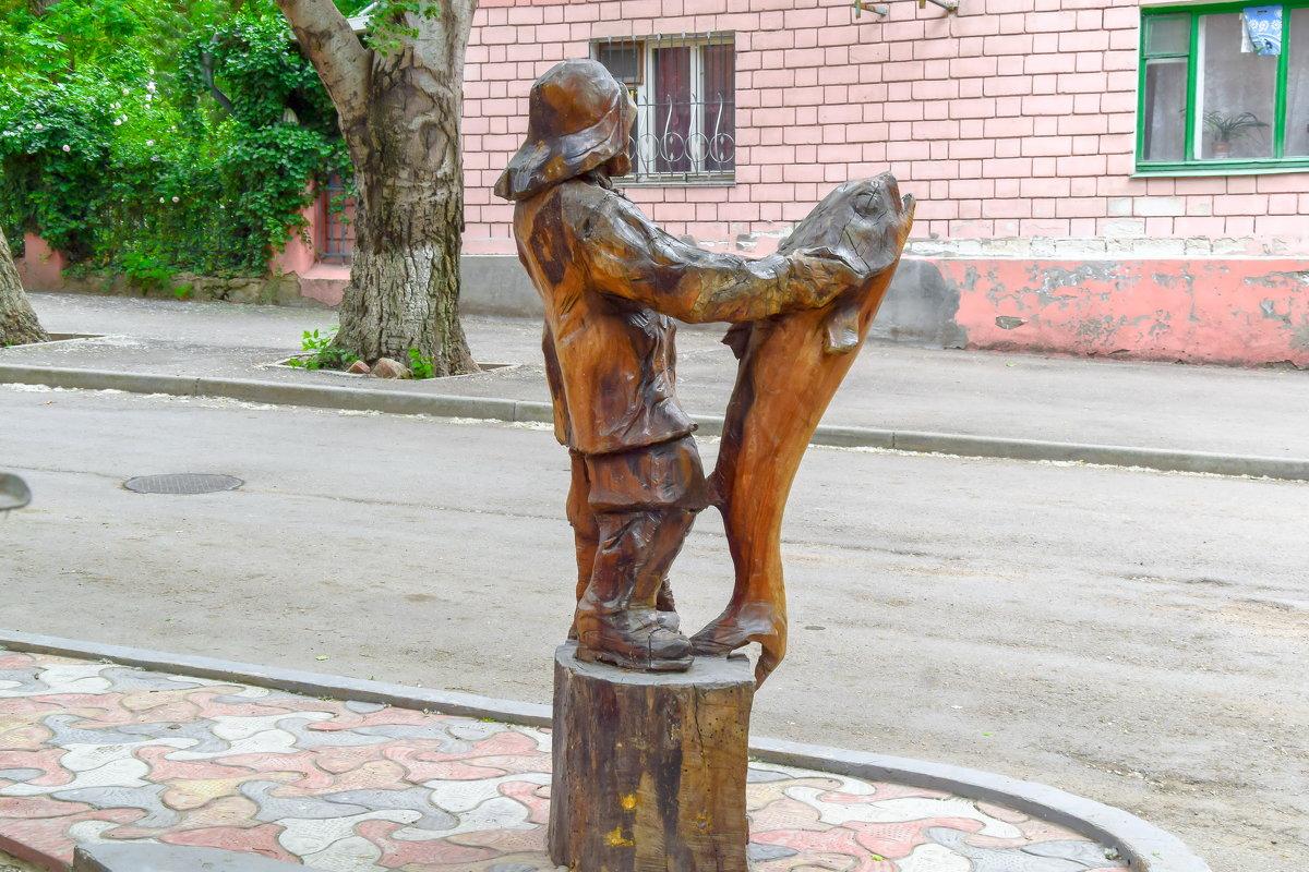 Скульптура-рыбак(дерево) - Анатолий Збрицкий