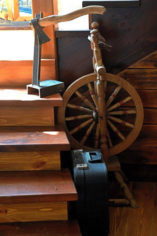Лестница на второй этаж. - Татьяна Помогалова