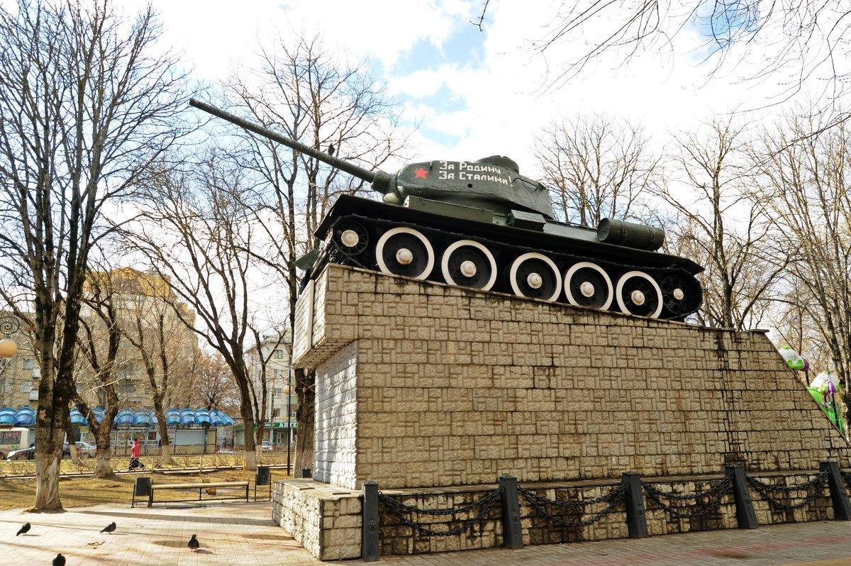 Танк Т-34 - Лариса Вишневская