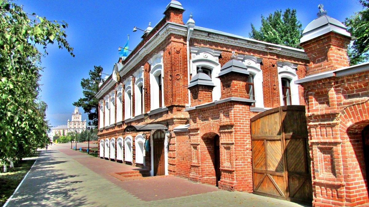 Кирпичная архитектура - Владимир