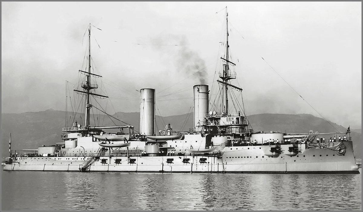 """эскадренный броненосец """" Слава"""" в Тулоне. 1910 год. - Александр"""