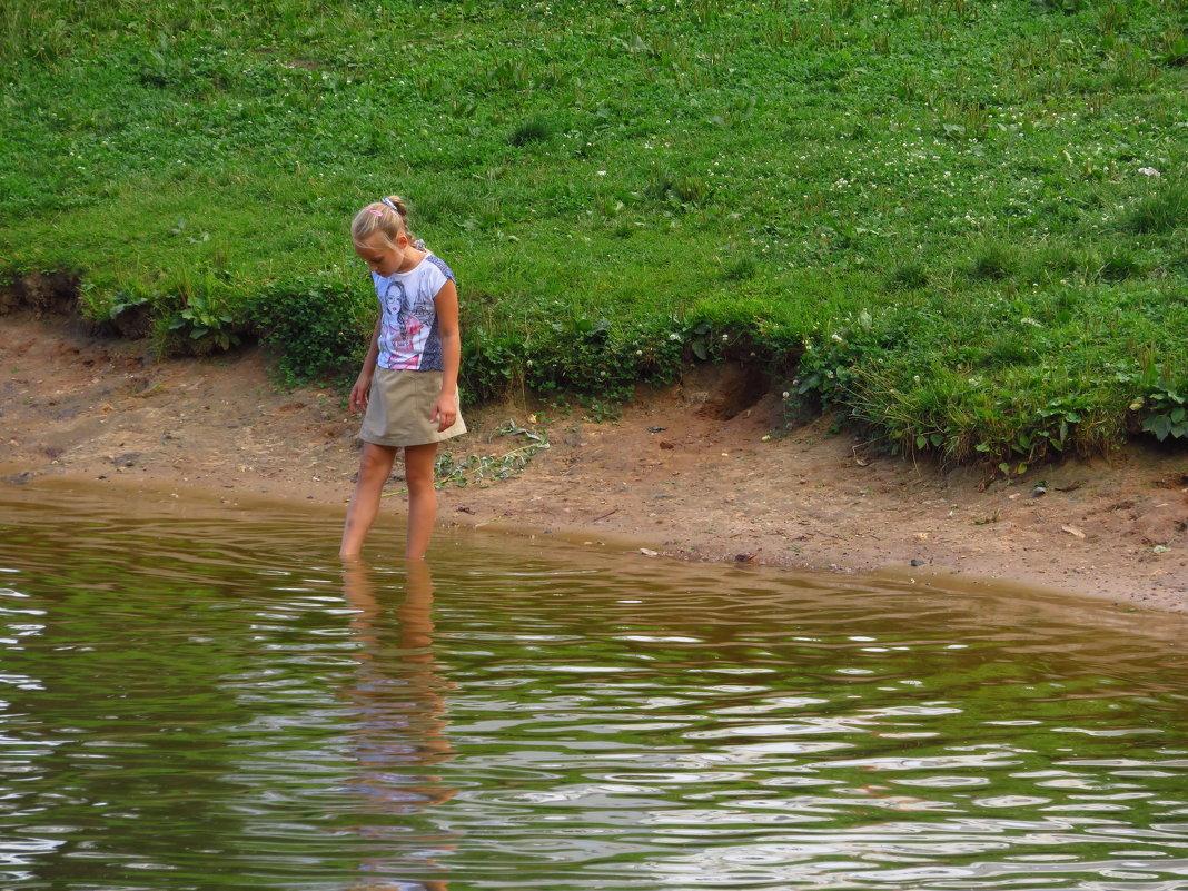 """""""На речке, на речке, на том бережочке мыла Марусенька белые ножки"""" - Андрей Лукьянов"""