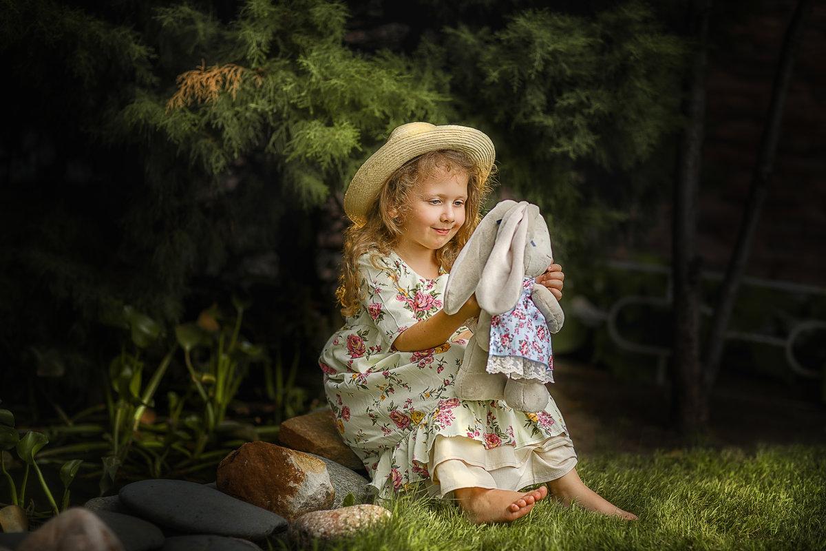 В саду у бабушки - Екатерина Баранова-Бухтиенко