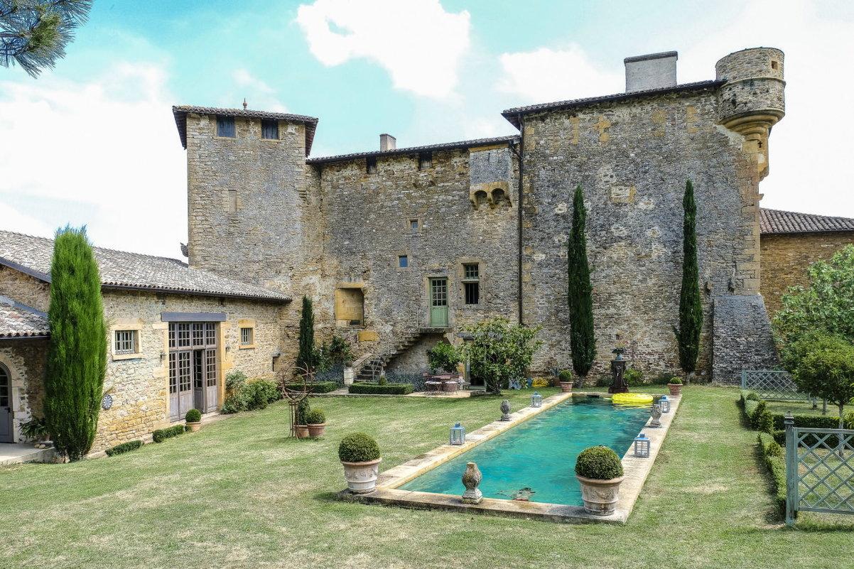 замок-укрепленный дом Раптур (Rapetour), XIII век - Георгий А