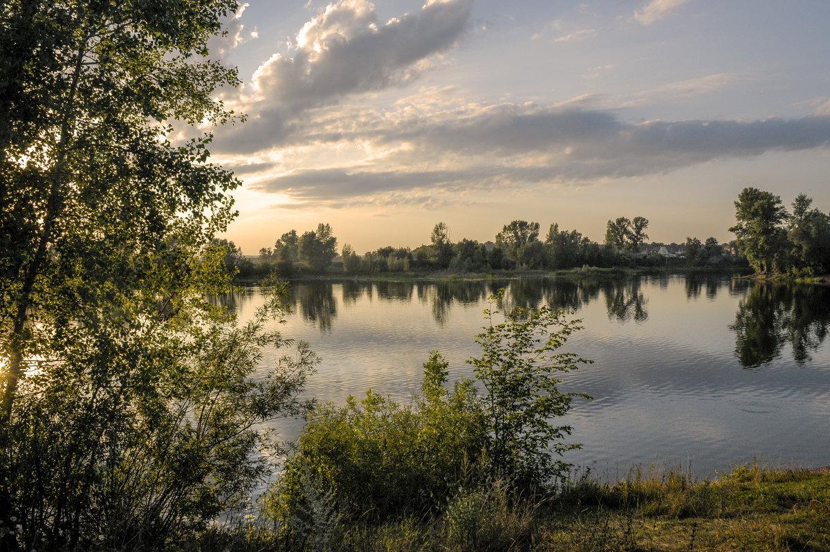 Загородное озеро - Аркадий Беляков