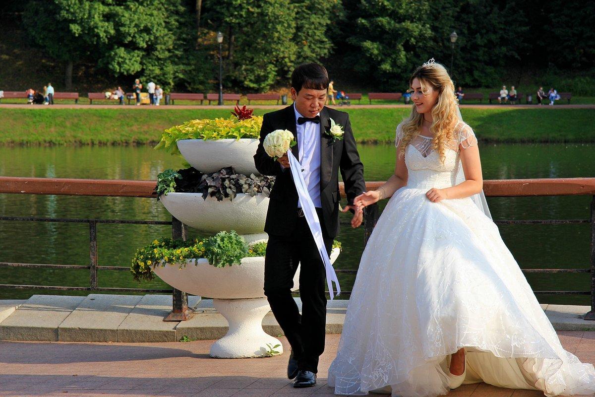 Осенние свадьбы - Лариса