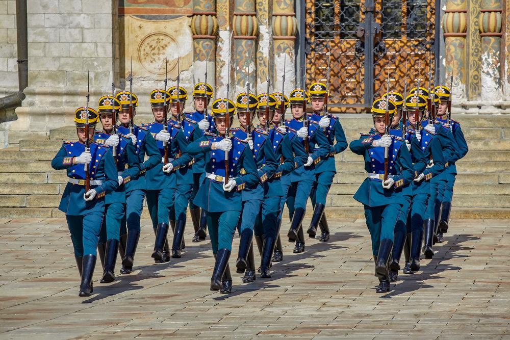 Церемония развода караулов президенского полка - Николай Николенко