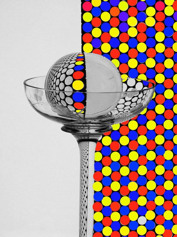 натюрморт с вазой и шаром - Владимир Безгрешнов