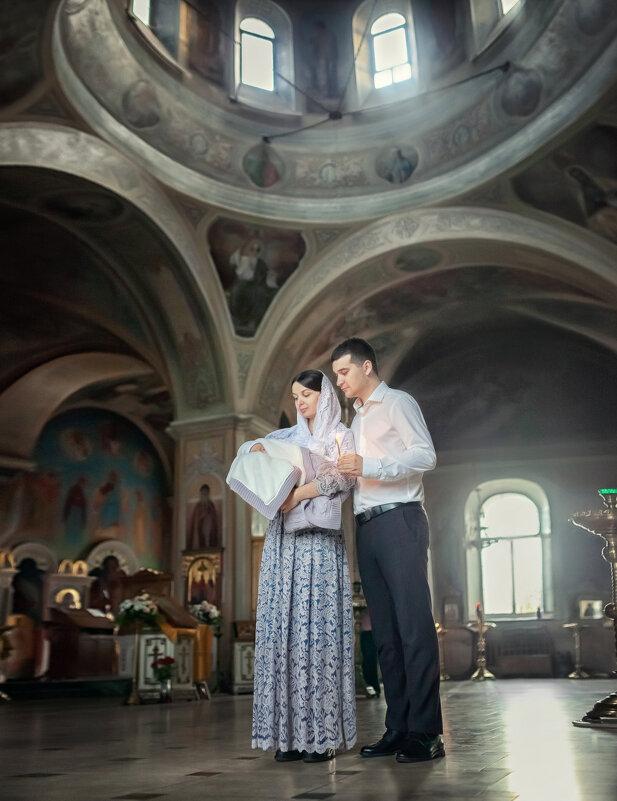 Семья в храме - Надежда Антонова
