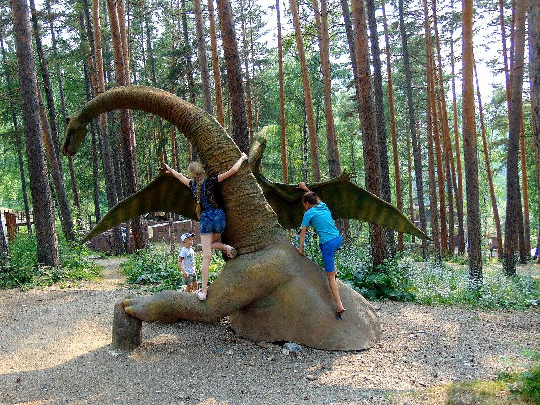 Битва с динозаврами. - nadyasilyuk Вознюк