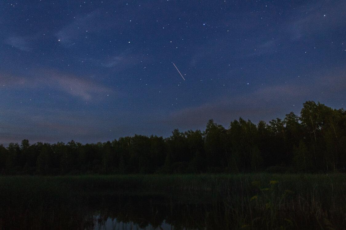 Тихая ночь на берегу озера. - Pavel Vasilev