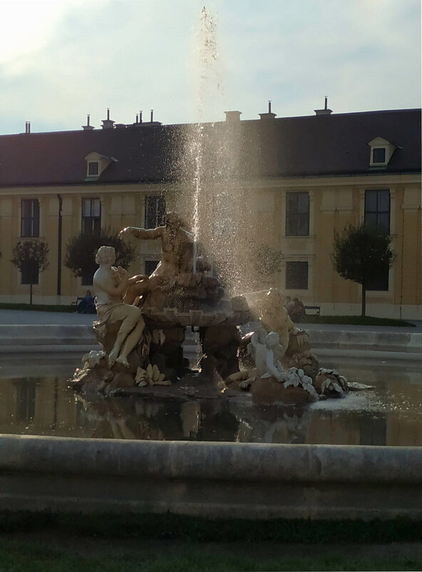Фонтан  на территории дворцово - паркового комплека Шёнбрунн - Наталия Павлова