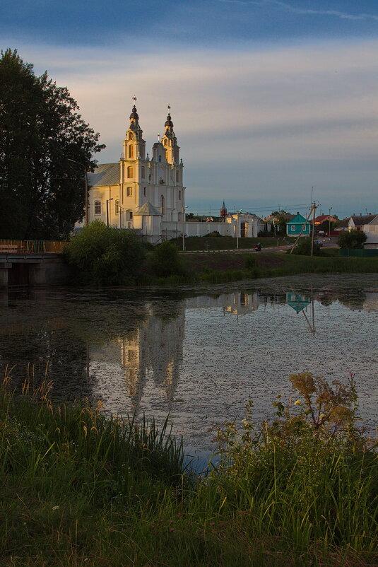 Ивенецкий Католический монастырь на закате - M Marikfoto