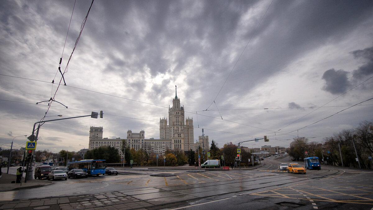 Москва. Площадь Яузские Ворота - Михаил Танин