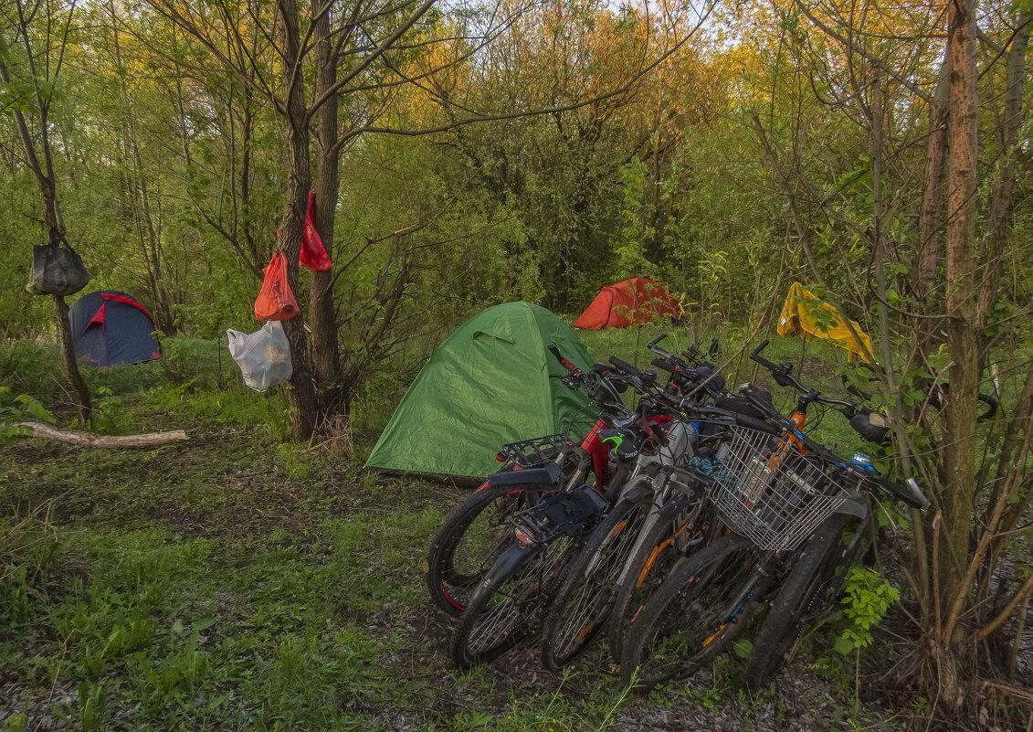 Утро в палаточном лагере - Сергей Цветков