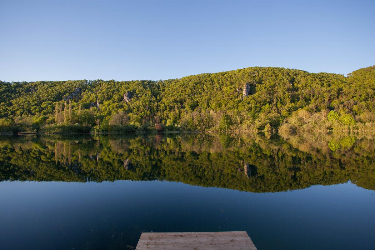 на озере - vladimir