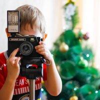 Юный фотограф. Сынок Виктор. :: Сергей Бутусов