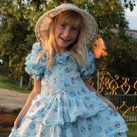 девочка в платьице :: Алёна Хэмпер