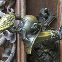 Ручка на воротах в замок :: Василий Игумнов