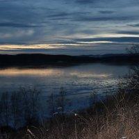 Сумерки над озером... :: Наталья Юрова