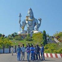 2012 год. Индия. Мурдешвар, статуя Шивы :: Владимир Шибинский