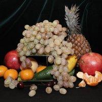 Натюрморт с фруктами 5 :: Владимир