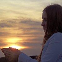 Солнце в ладонях. :: Александра Салыжина