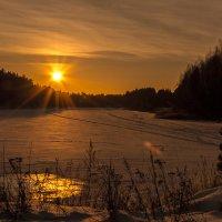 Закат на реке :: Игорь Нокин