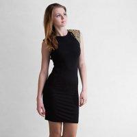 Девушка в черном платье :: Анатолий Тимофеев