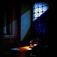 ...рогатая  луна смотрела мне в окно... :: Александр Садовский