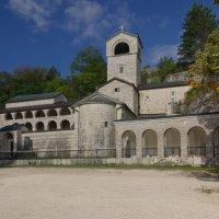 Монастырь в г. Цетине :: Михаил Тарасов
