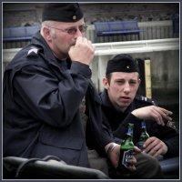 На палубе матросы, курили папиросы... :: Владимир Секерко