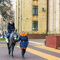 Катание на лошади :: Юрий Стародубцев