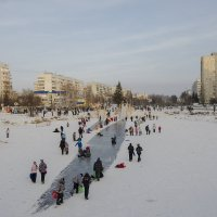 Забавы. А снега то все меньше и меньше! :: Сергей Адигамов