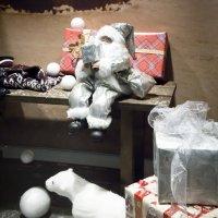 Дед Мороз готовит подарки.... :: Ale-X-andr Осауленко