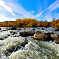 осень на реке :: Виктор