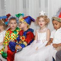 Платье королевы... Хотя бы потрогать... :: Дарья Казбанова