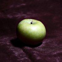 Зеленое яблоко :: Remian Mad