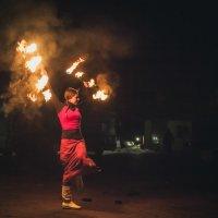 Девушка которая играла с огнем :: Oleg Kaminskyi