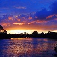 Закат в синих тонах.. :: Антонина Гугаева