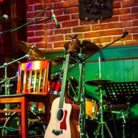 Одинокая гитара :: Олег Бондаренко