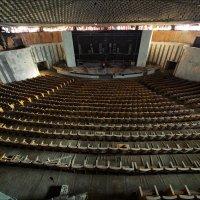 Заброшенный конференц-зал :: Георгий Ланчевский