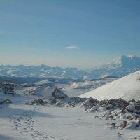 Вид на Эльбрус с плато Шаджатмаз :: Владимир Листопад